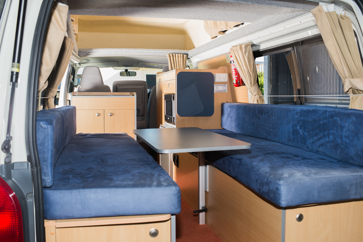 Twin beds Toyota Hiace hi-top Campervan